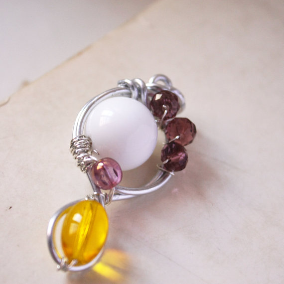 pink and yellow pendant - summer colors - aliminium wire and glass bead - pastel pretty glass beads in white pink and yellow